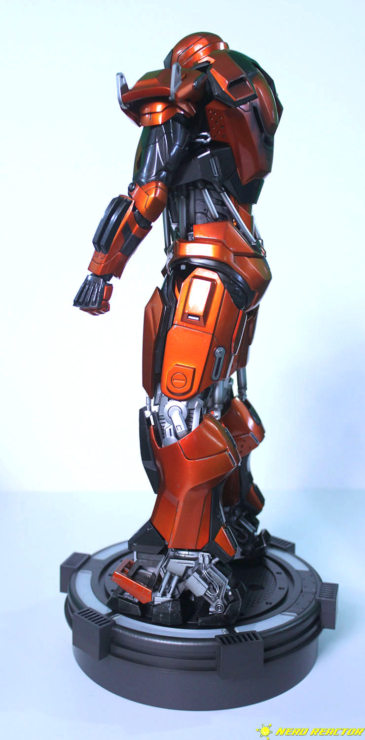 Hot Toys Sideshow Iron Man Peacemaker - 09