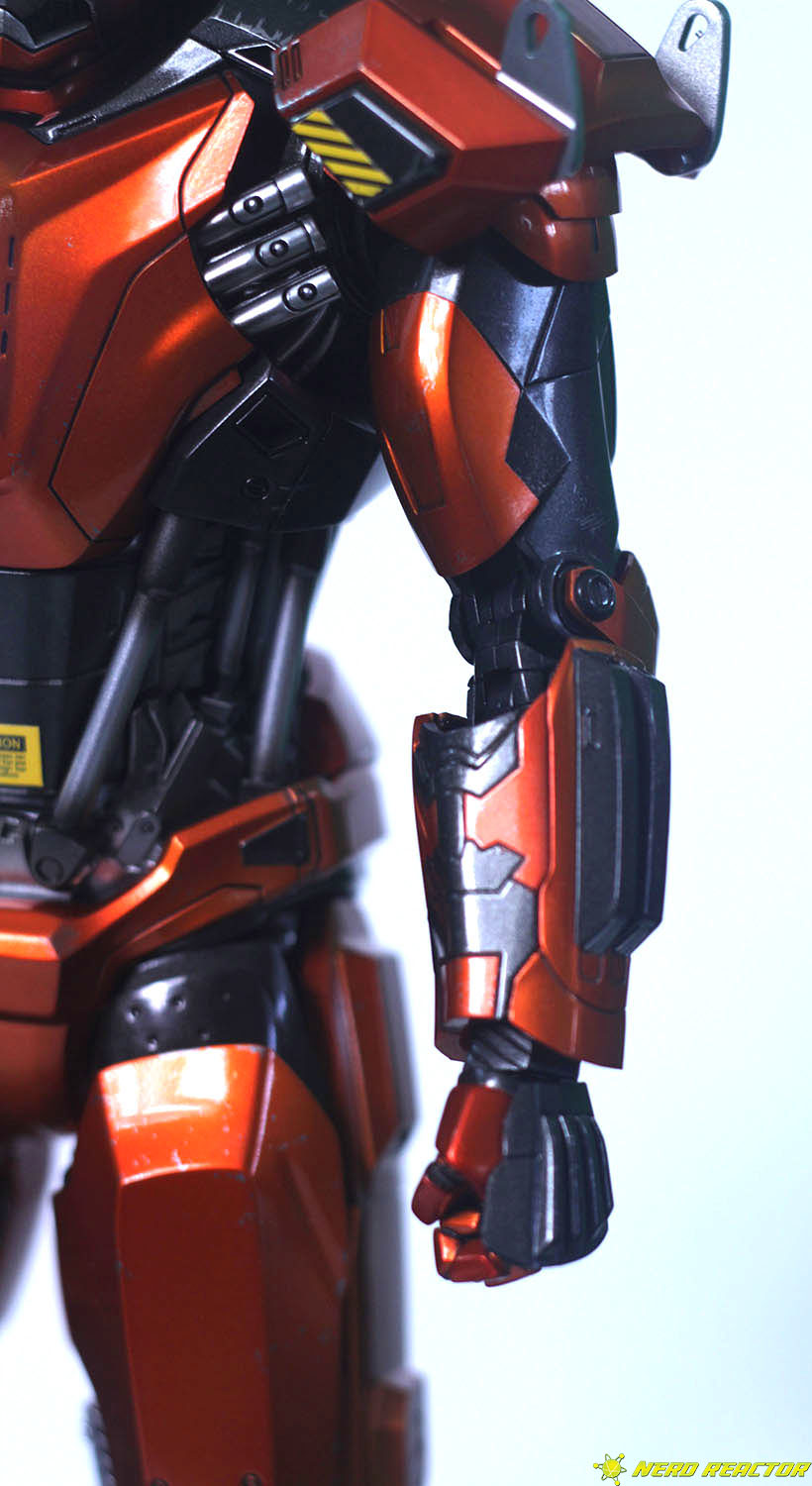 Hot Toys Sideshow Iron Man Peacemaker - 14