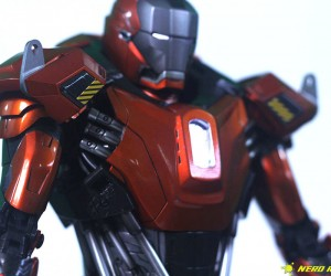 Hot Toys Sideshow Iron Man Peacemaker - 15