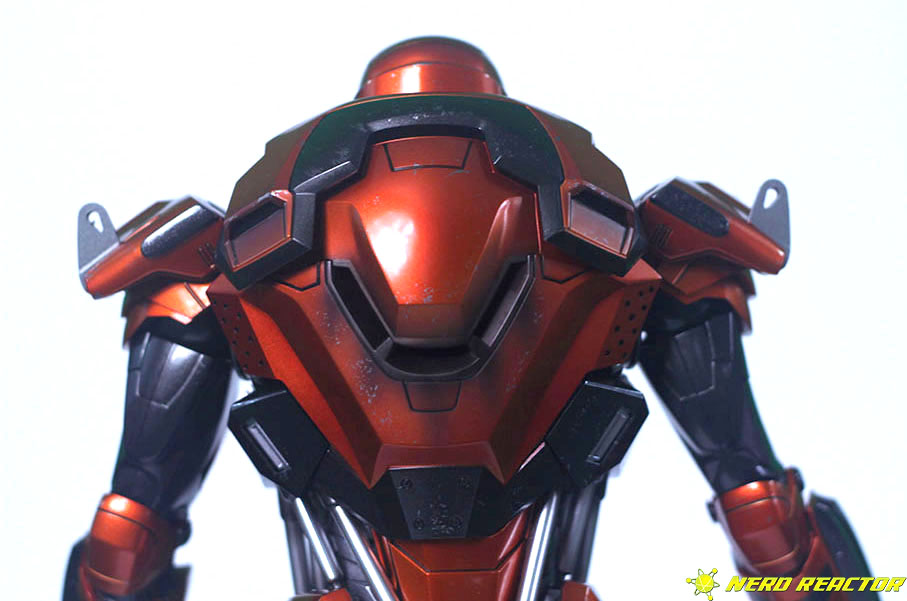 Hot Toys Sideshow Iron Man Peacemaker - 17
