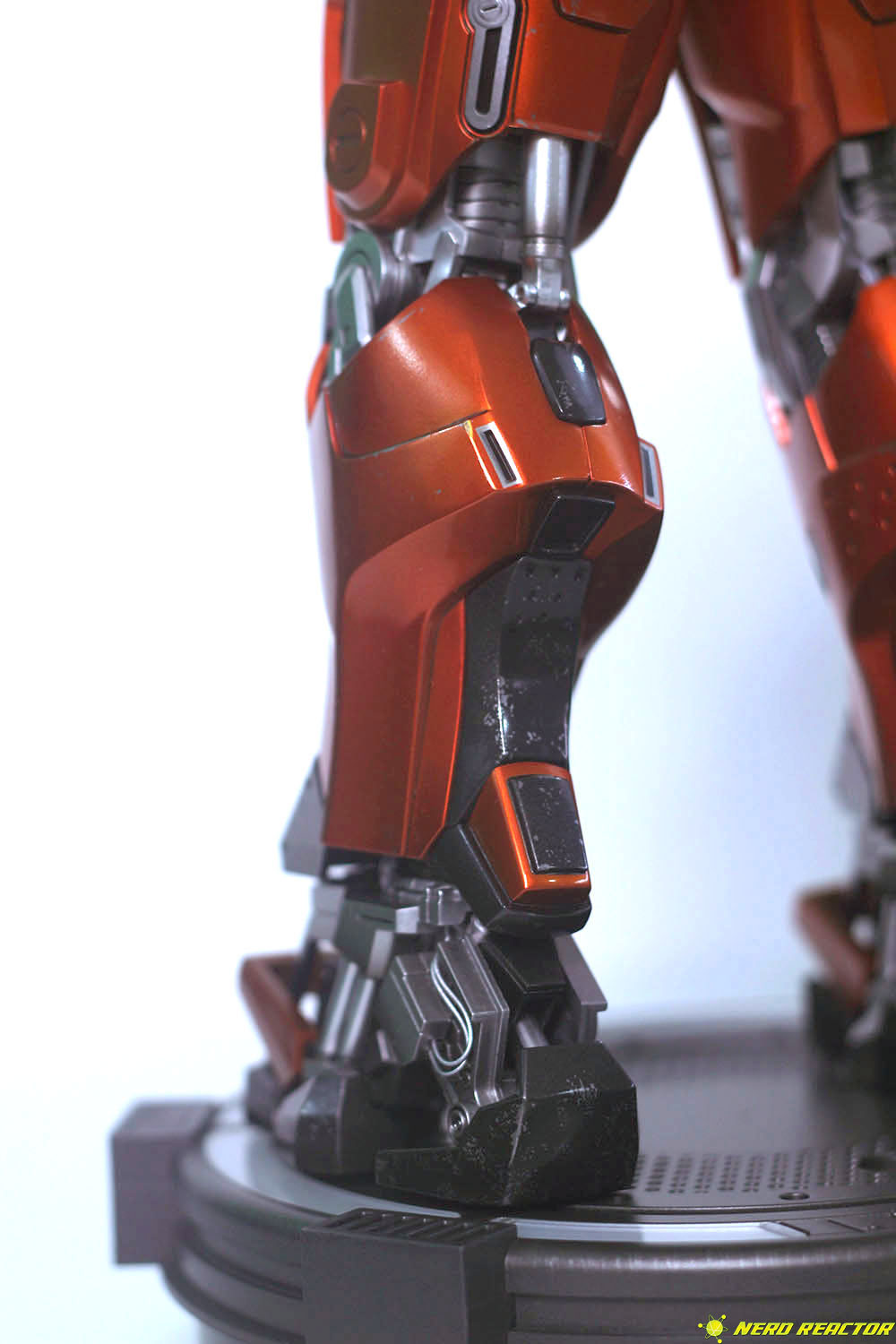 Hot Toys Sideshow Iron Man Peacemaker - 19