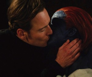Magneto_Mystique_kiss x-men