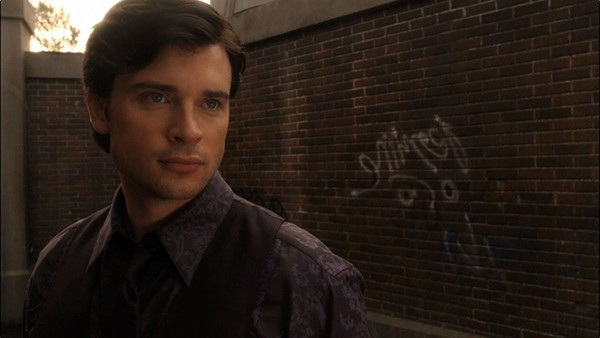 """Tom Welling as Clark Luthor (Ultraman) in the alternate reality episode """"Luthor"""" (S10, E10)"""