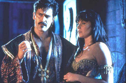 Lucy Lawless joins Sta...