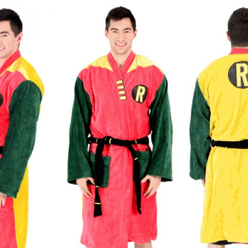 Giveaway: DC Comics Robin Bathrobe