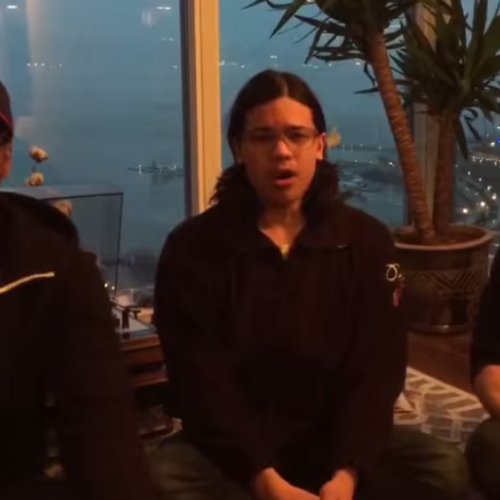 The Flash cast members sing an Ode to Joss Whedon for his contribution to their Kickstarter