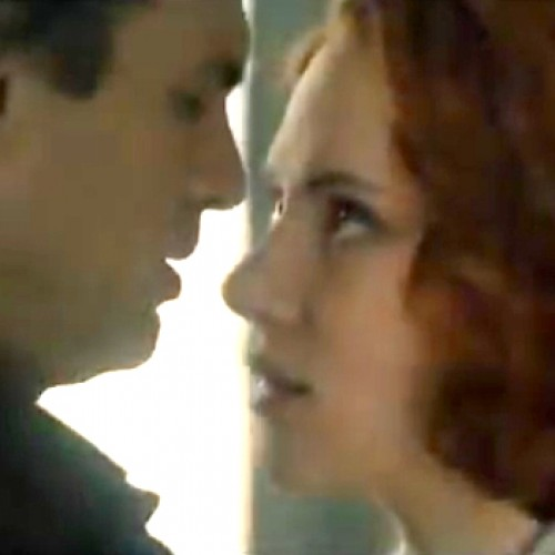 Avengers: Age of Ultron sneak peek teases Hulk and Black Widow romance?
