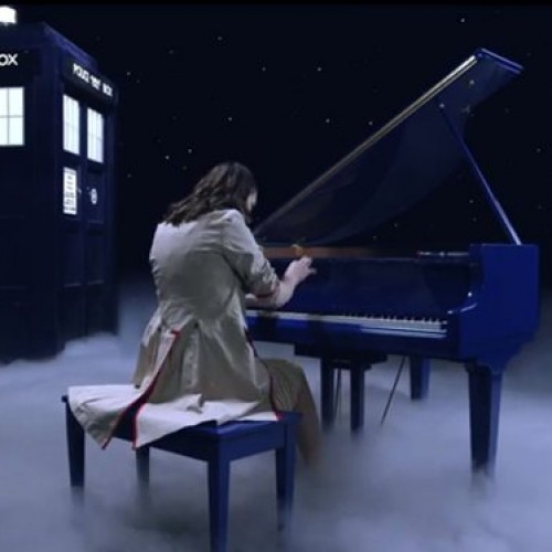 Doctor Who piano cosplay
