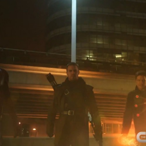The Flash preview teases another Arrow crossover this season