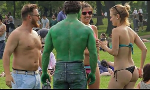 The Hulk Bod vs the Dad Bod – Which one's a hit for the ladies? (video)