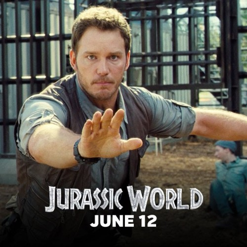 Chris Pratt saves a worker from the raptor paddock in new Jurassic World clip