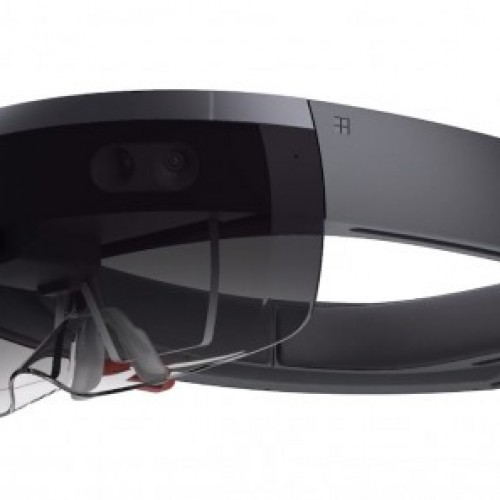 E3 2015: Microsoft demos Minecraft for HoloLens