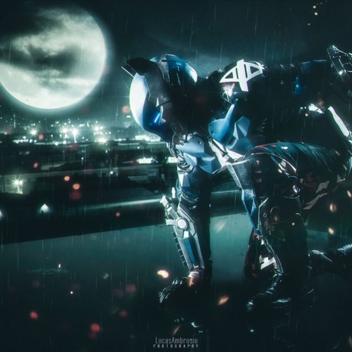 This badass Arkham Knight cosplay is perfect!