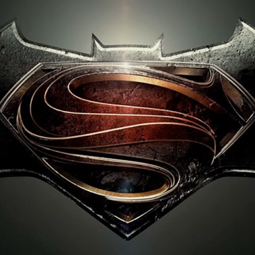 Batman v Superman highlighted on the cover of Empire
