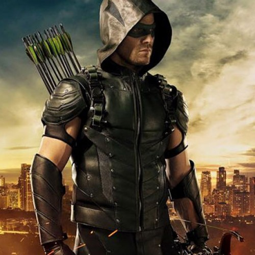 Is Stephen Amell going to don his Arrow outfit for WWE Summerslam?