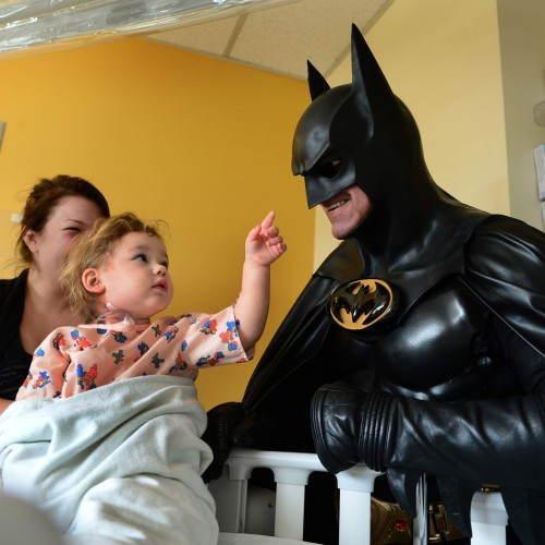 Man who visited Children's Hospitals dress as Batman dies