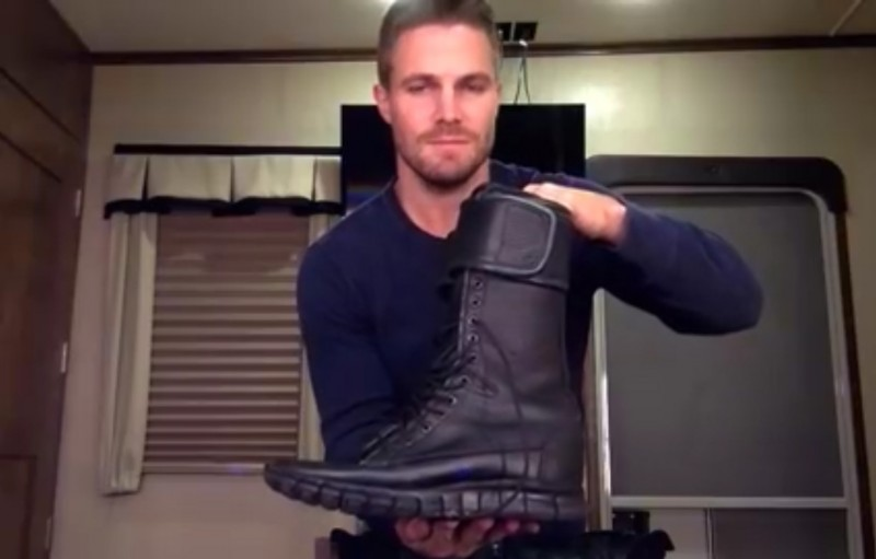 stephen amell boots arrow