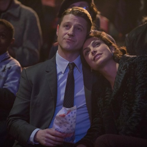 Gotham's Morena Baccarin and Ben McKenzie to get married in real life?