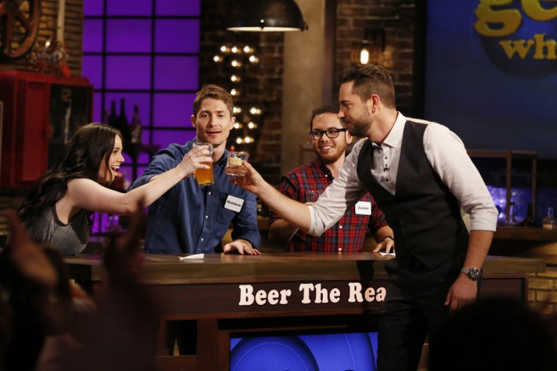 "GEEKS WHO DRINK -- ""Matthew McCaull VS. Andrew Daly"" Episode 101 -- Pictured: (l-r) Stacy Sholes, Matthew McCaull, Jason Torres, Zachary Levi -- (Photo by: Carol Kaelson/Syfy)"
