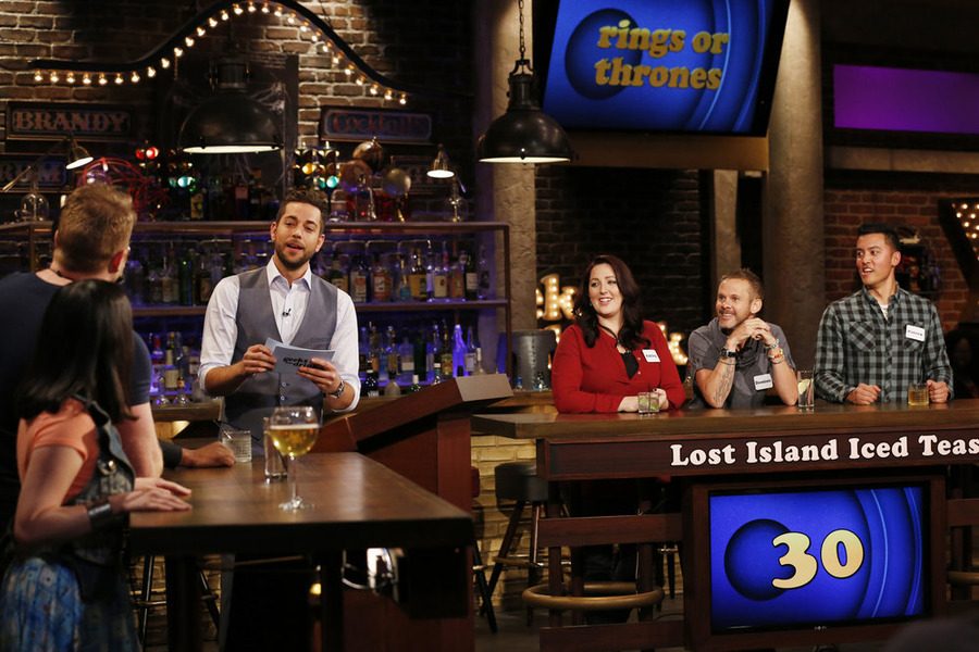 "GEEKS WHO DRINK -- ""Rob Kazinsky VS. Dominic Monaghan"" Episode 104 -- Pictured: (l-r) Zachary Levi, Ashley Howe, Dominic Monaghan, Patrick Dwyer -- (Photo by: Carol Kaelson/Syfy)"