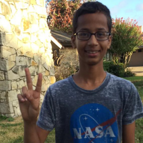 The internet responds to STEM teen arrested for bringing homemade clock to school