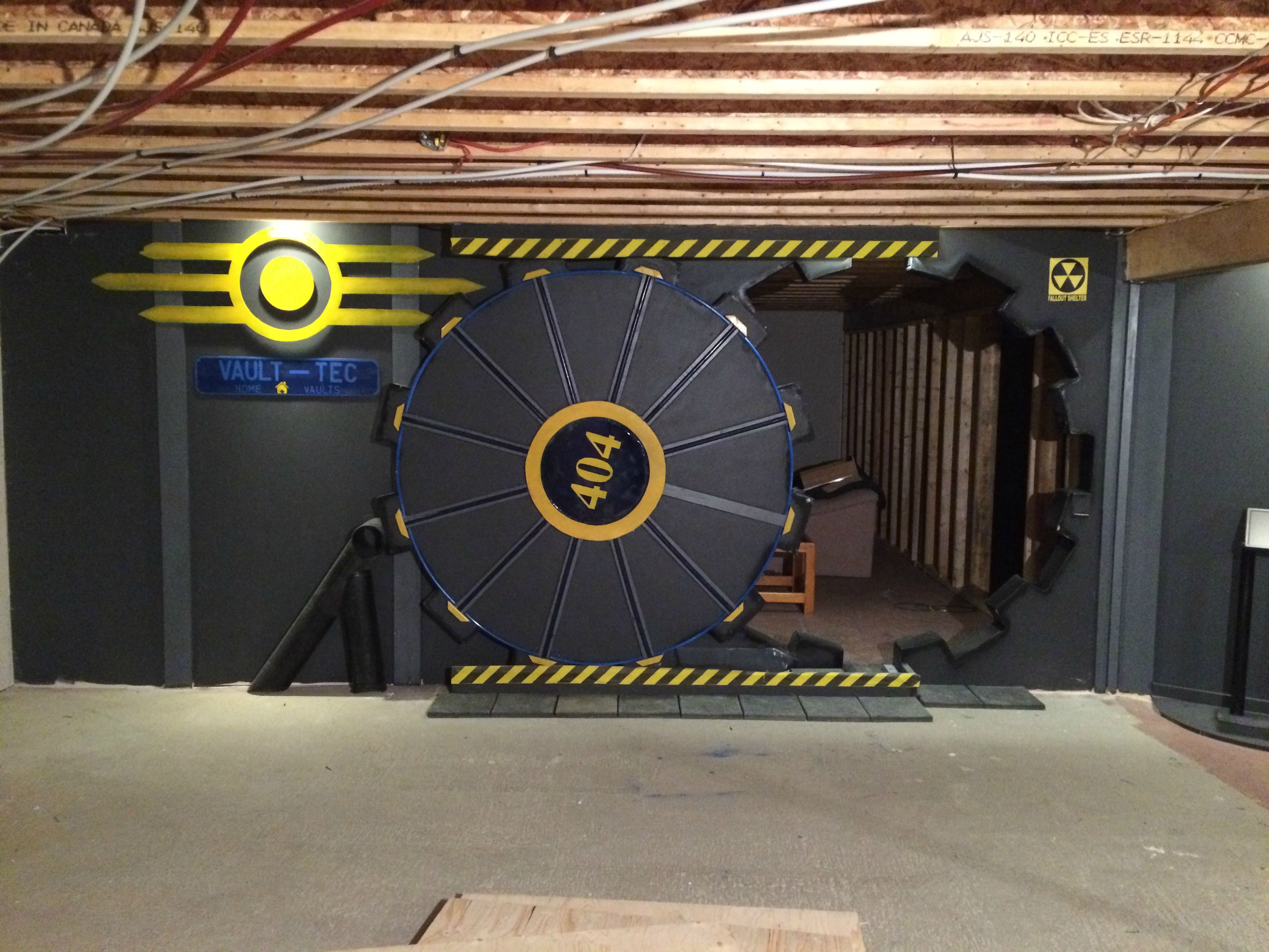 Fan builds real life fallout vault door for gaming room for Fallout 4 bedroom ideas