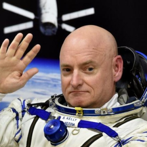 Astronaut Scott Kelly causes UFO controversy