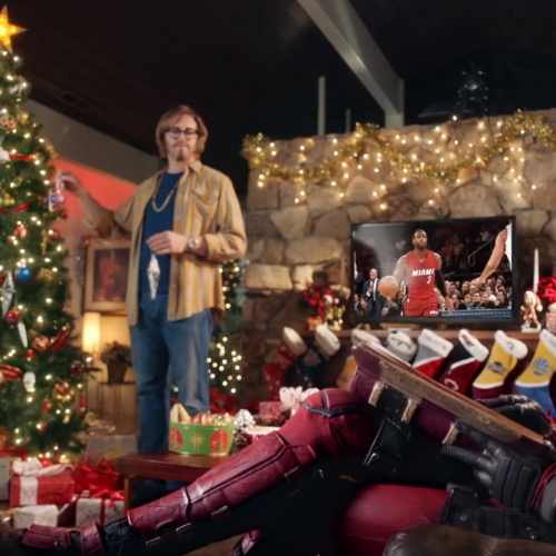 New Deadpool promo for upcoming Christmas day trailer!