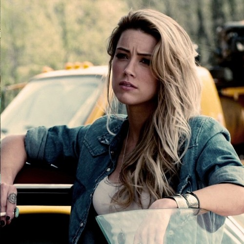 Amber Heard to star opposite Jason Momoa in Aquaman?
