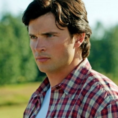 Tom Welling on the possibility of playing Superman in CBS' Supergirl