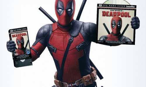 Ryan Reynolds signs hundreds of Deadpool DVDs to be given at SDCC