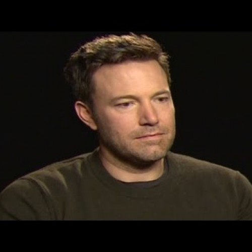 Sad Affleck promotes Dark Souls 3 and Gears of War 4
