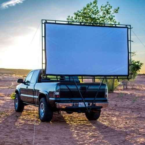 Hitch Theaters: take the drive-in theater with you