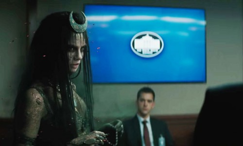 Cara Delevingne admits to walking naked in the woods to prepare for Suicide Squad
