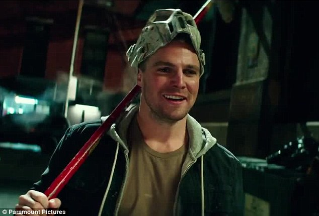 TMNT's Stephen Amell says his personality is more like Casey