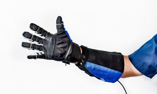 Improve your grip with Robogloves