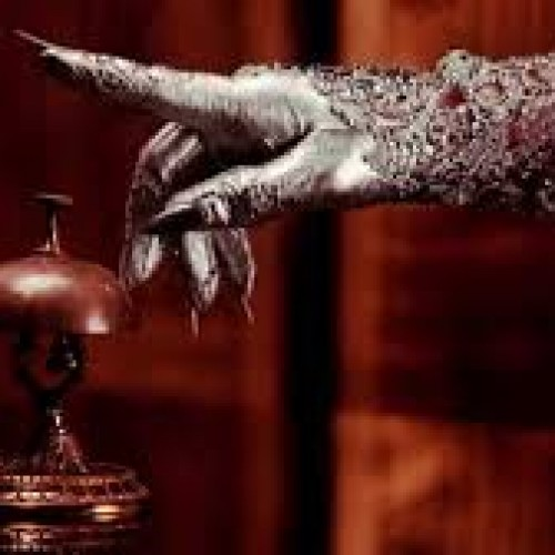 What exactly is the new American Horror Story theme?