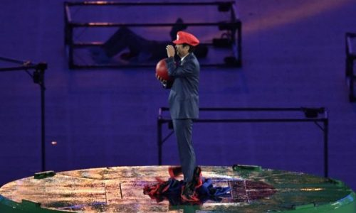 Japan's Prime Minister emerges as Super Mario during Rio Olympics closing ceremony
