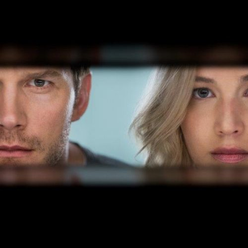 Chris Pratt and Jennifer Lawrence create romance and fear among the stars in 'Passengers' trailer