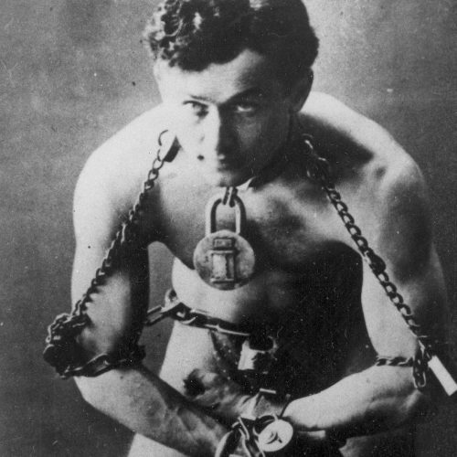 '10 Cloverfield Lane' director Dan Trachtenberg to direct Harry Houdini biopic