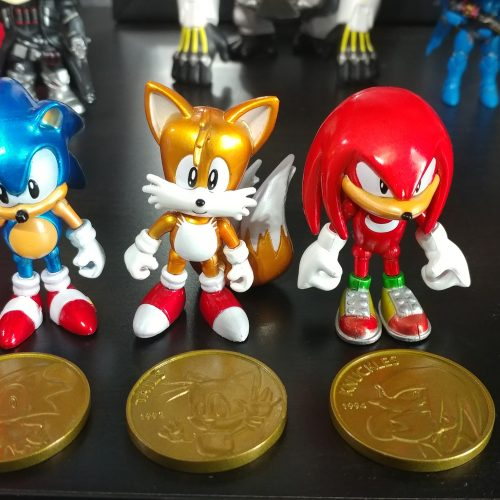 Sonic 25th Anniversary Figures + Collectible Coins by TOMY (review)