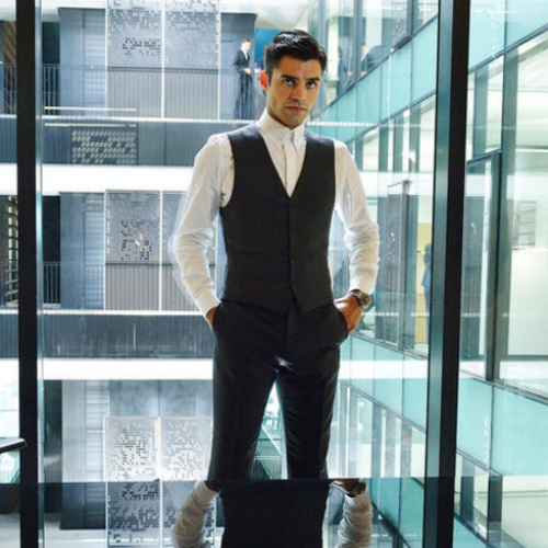 SyFy's Incorporated tells a familiar story, but with better looking people