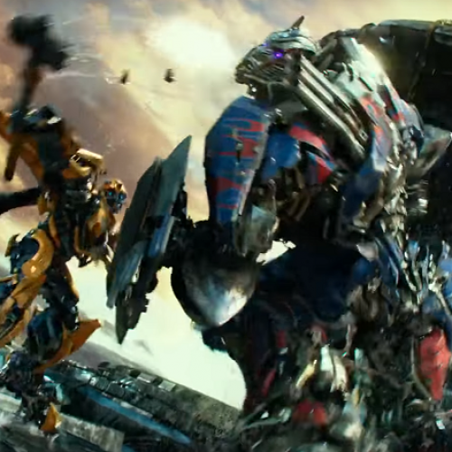 Transformers: The Last Knight Super Bowl spot shows Bumblebee vs Optimus
