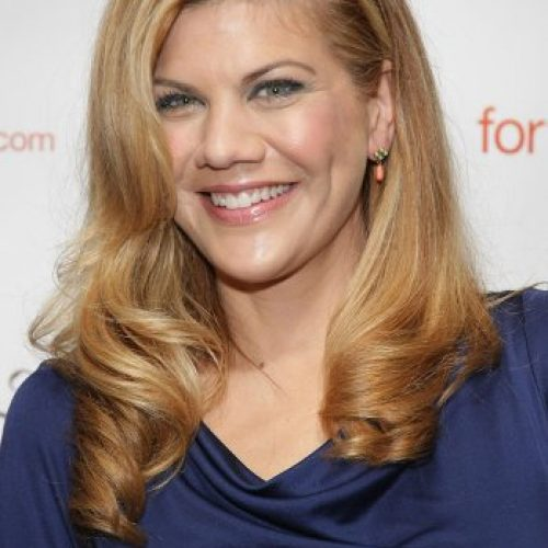 New CBS comedy pilot from HIMYM creators add Kristen Johnston