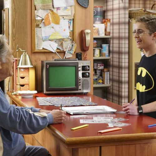 WonderCon 2017: The Goldbergs tackle the Bat with Kevin Smith