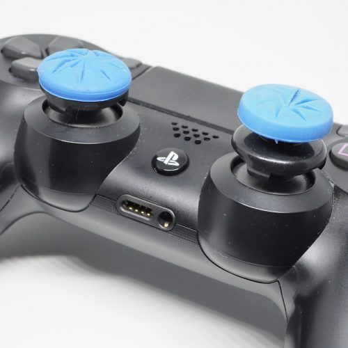 Checking out KontrolFreek's PlayStation 4 thumbstick extenders
