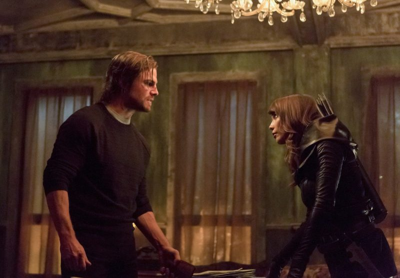 """Arrow -- """"Second Chances"""" -- Image AR511a_0167b.jpg -- Pictured (L-R): Stephen Amell as Oliver Queen and Lexa Doig as Talia al Ghul -- Photo: Michael Courtney/The CW -- © 2017 The CW Network, LLC. All Rights Reserved."""