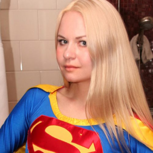 Supergirl cosplayer Alisa Kiss is on the wrong side of history