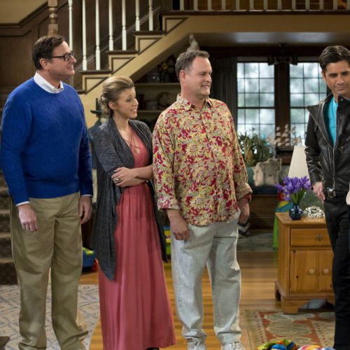 Netflix's Fuller House celebrate 30 years with the Tanner family