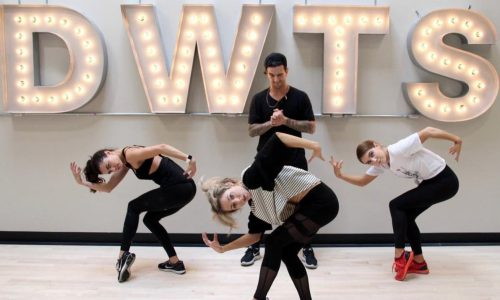 Lindsey Stirling and Mark Ballas earn a perfect score in Dancing with the Stars